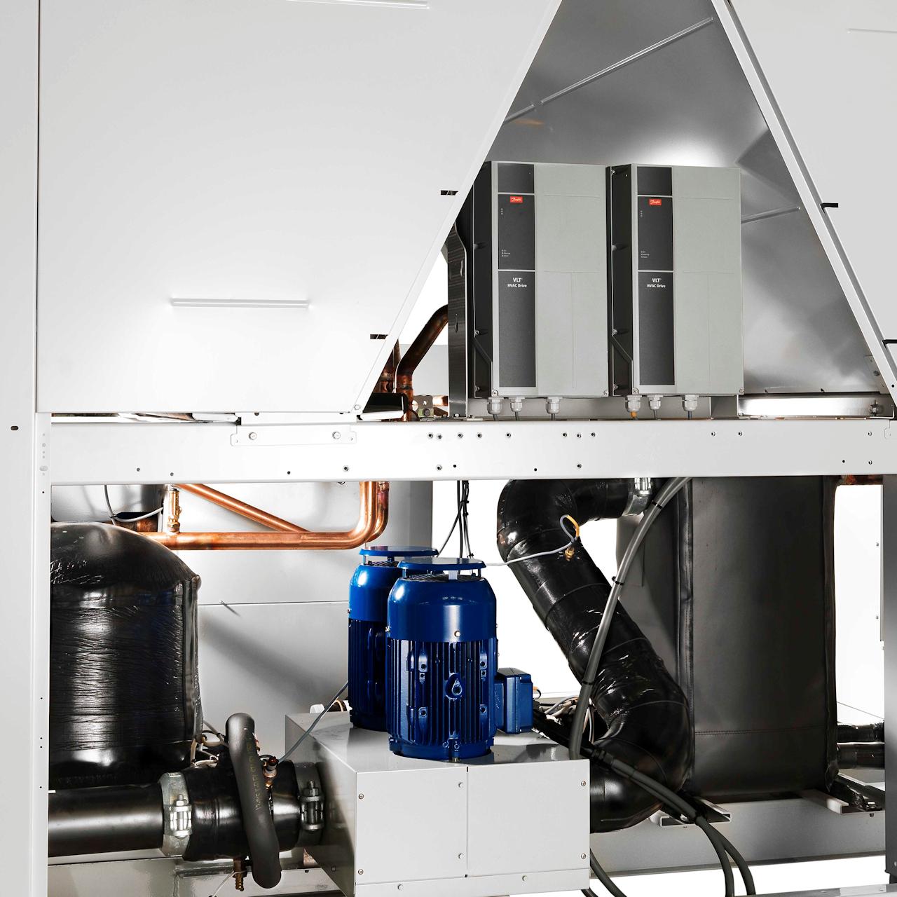 carrier-30RQM-30RQP-air-to-water-scroll-heat-pump-coil