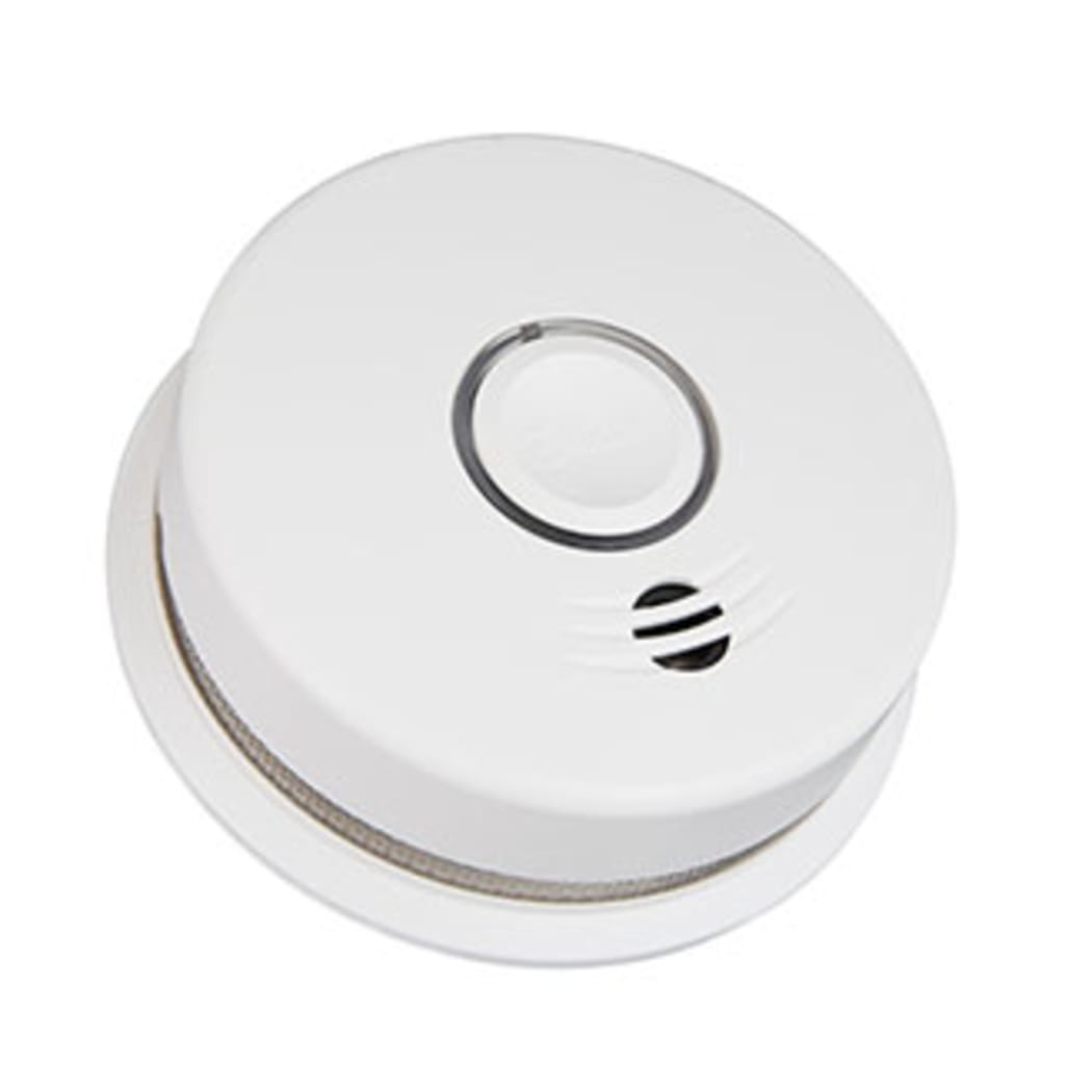 Interconnected Battery Powered Smoke Alarm P4010DCS-W on