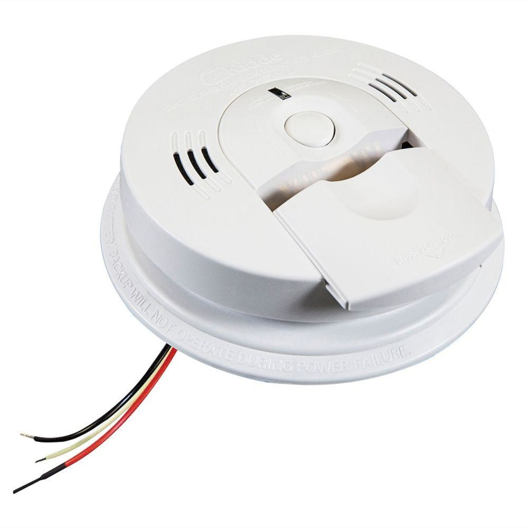 Green Light On Smoke Detector Not