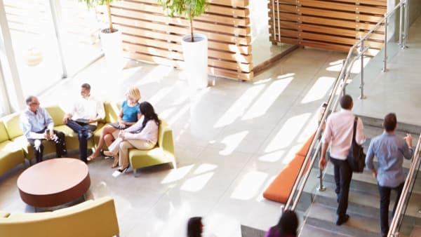 صورة المباني الصحية للموظفين في مبنى إداري ، شركة كاريير ، مباني مستدامة ، جودة هواء داخلية صحية