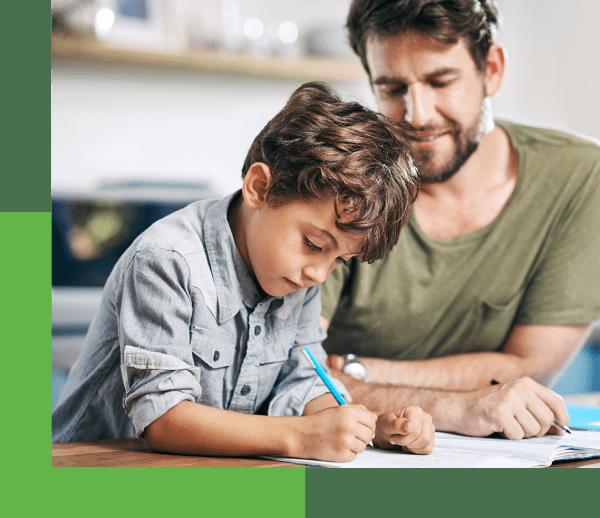 الأب والابن واجب منزلي والأخضر بلوك