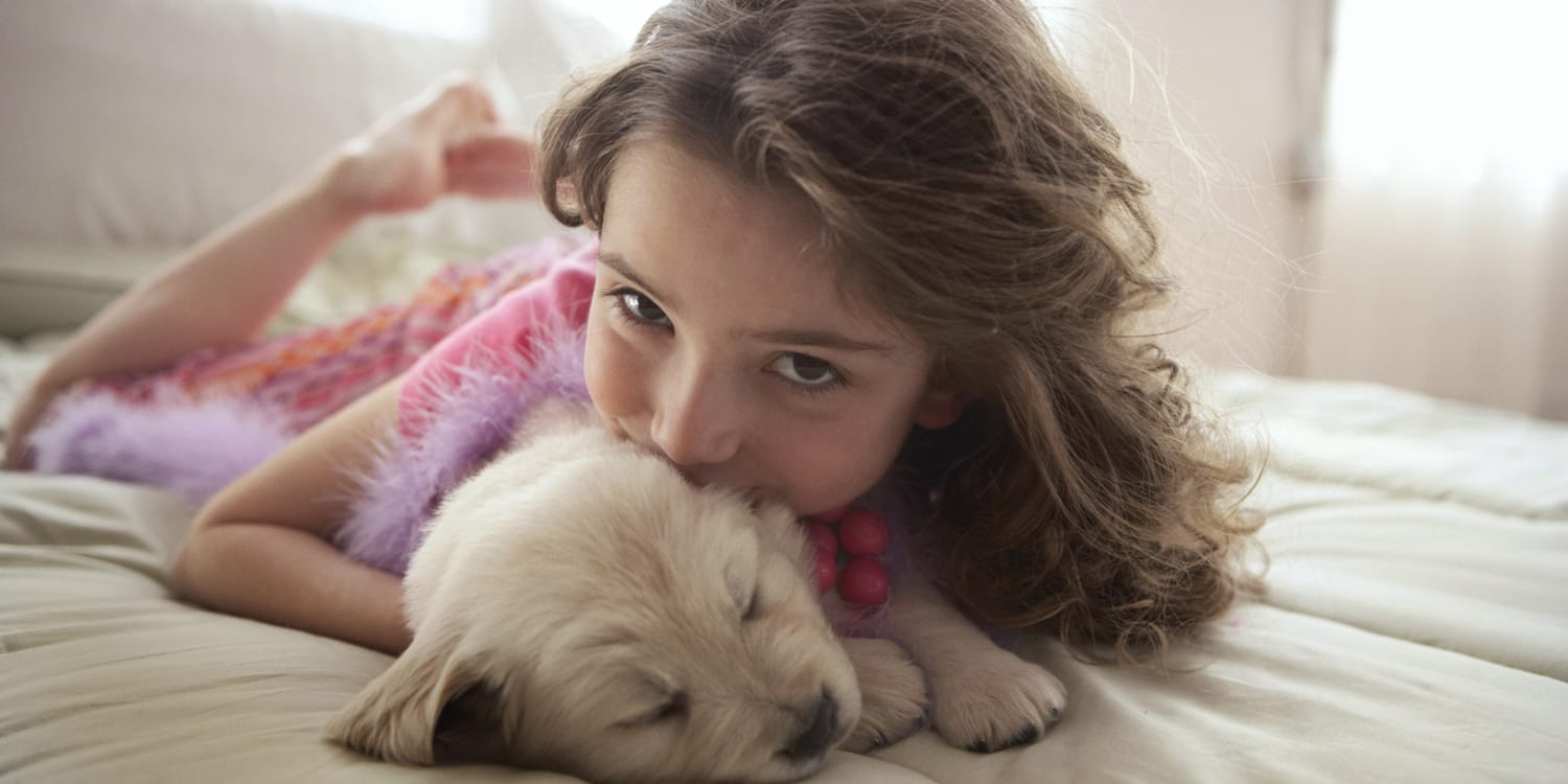 comfortable-girl-with-pet