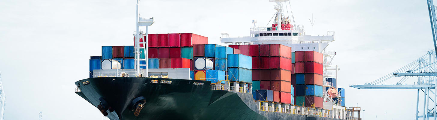 container-ship-moored_h